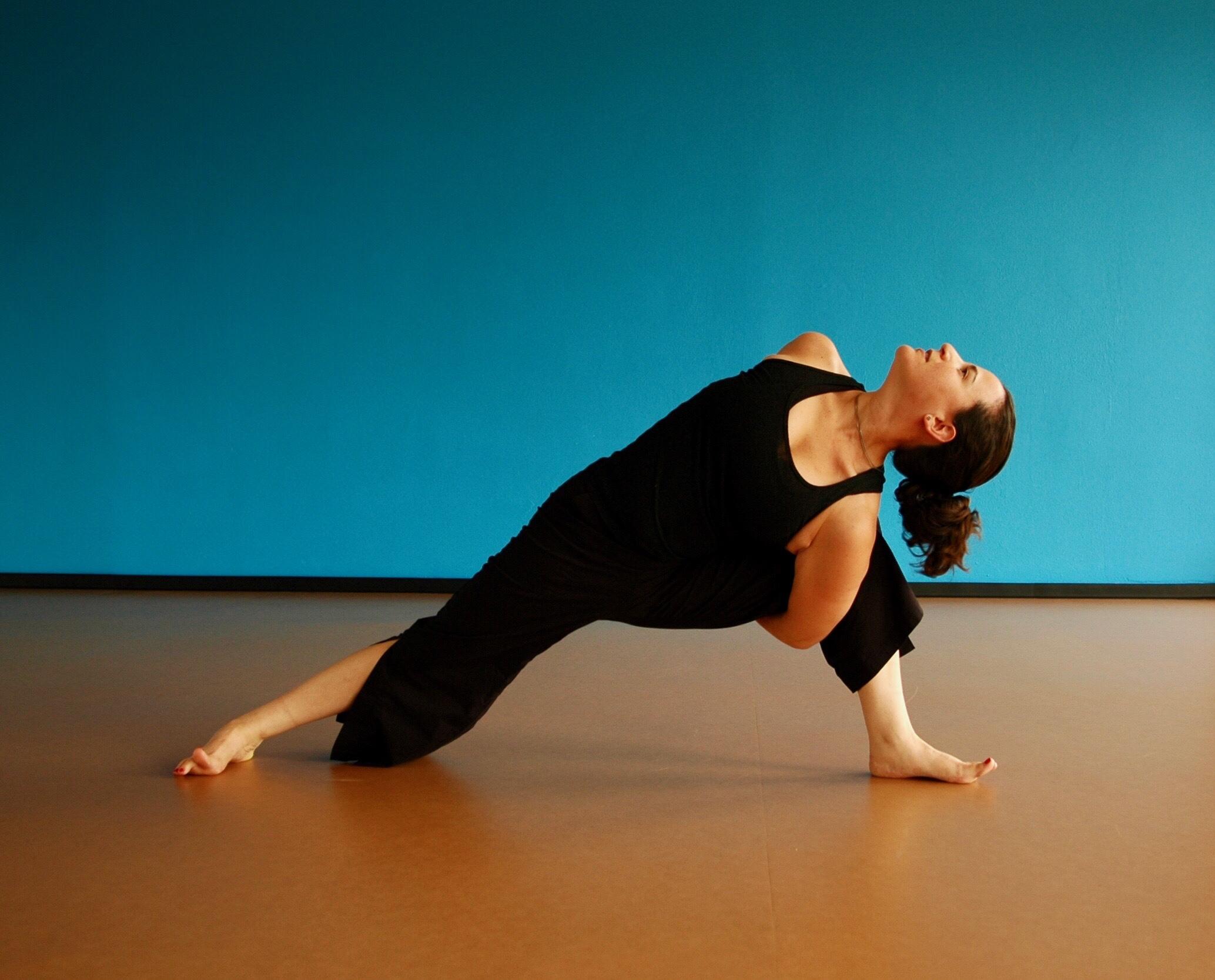 Justine Fanarof yoga teacher training meditation mindfulness Houston Texas TX